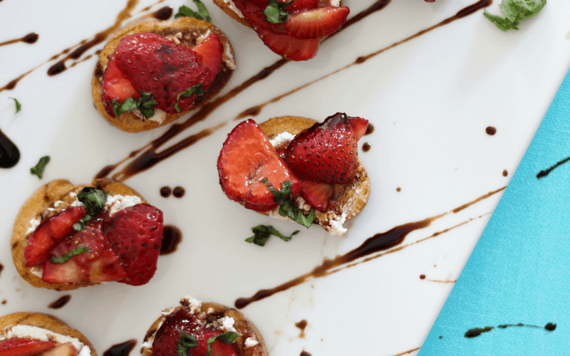 Balsamic Strawberry and Goat Cheese Crostini